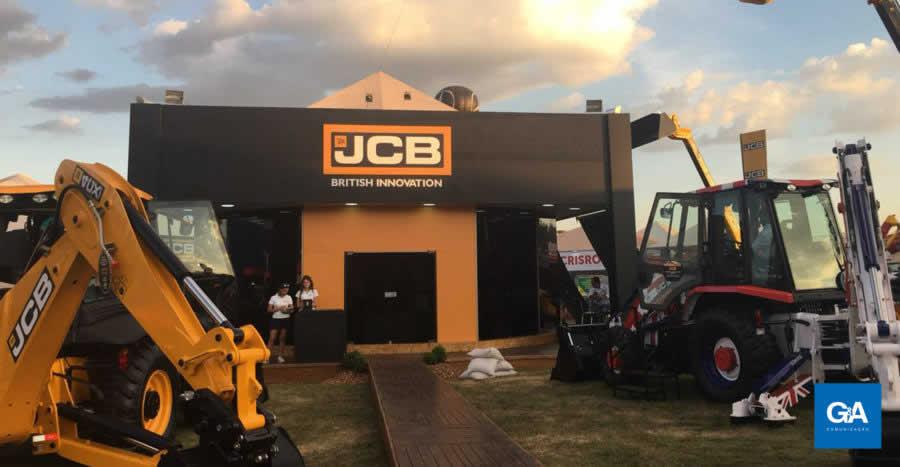 JCB marca presença na Agrishow 2018