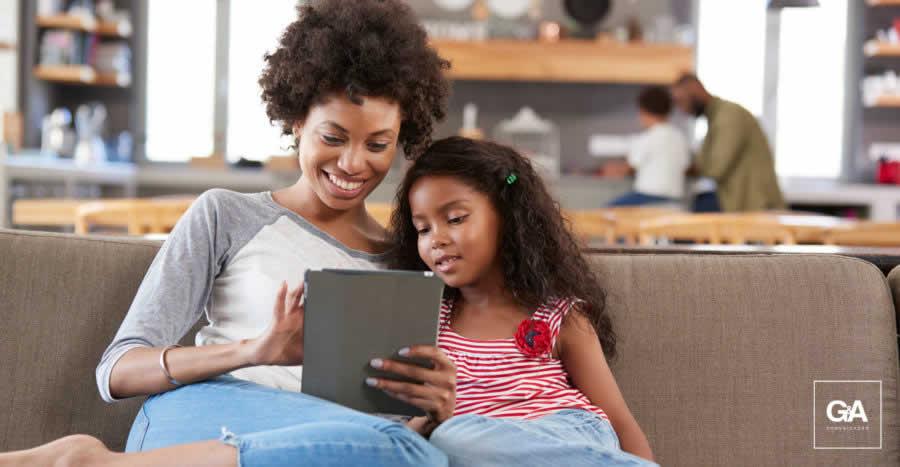 Quem são as mães internautas no Brasil?