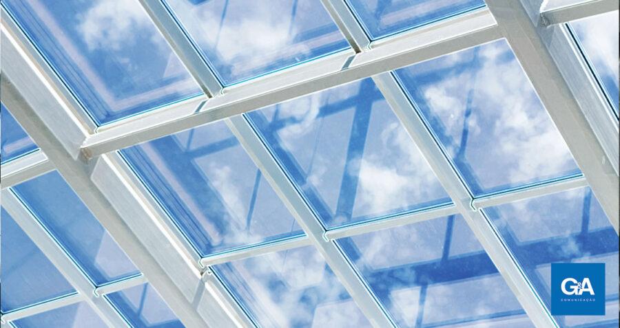 Para evitar crise de imagem, desmonte o telhado de vidro
